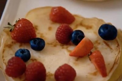 Pancakes with Mixed Fruit